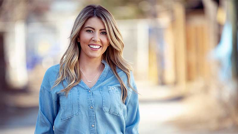 Shannon Ella Goes National on Canada's Pure Country