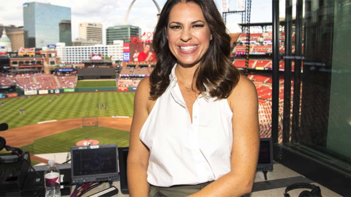 Jessica Mendoza Agrees Multi-year Deal at ESPN